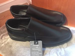 Van Heusen memory foam Shoes. for Sale in Chicago, IL
