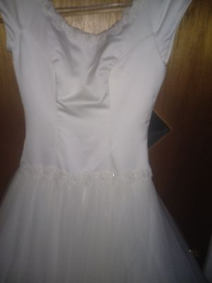 Wedding dress size 9/10 for Sale in Columbus, OH