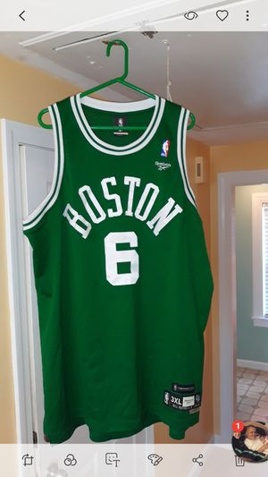 Boston celtics Bill Russell reebok jersey 3X for Sale in Boston, MA
