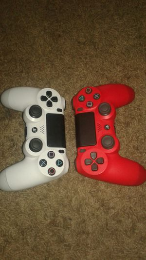 Ps4 games and 2 controller bundle for Sale in West Valley City, UT