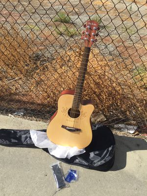 Acoustic guitar full size for Sale in Livermore, CA