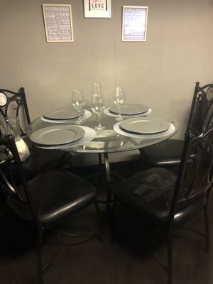 Dinning table for Sale in Gridley, CA