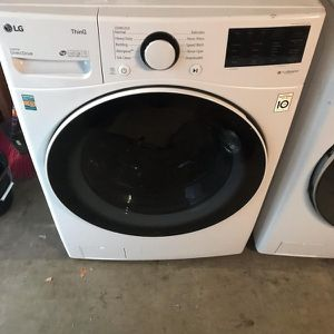 BRAND NEW !! LG SMART 2021 JUMBO FRONT LOAD WASHER for Sale in Perris, CA