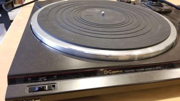 Technics SL-BD25 Turntable w/ cartridge