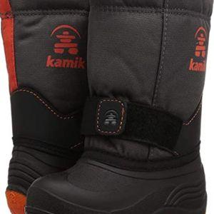 The ROCKET Wide Winter Boots kids size 8 for Sale in Phoenix, AZ
