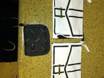 New Designer Make Up Bags And New Wallet for Sale in Redmond,  WA