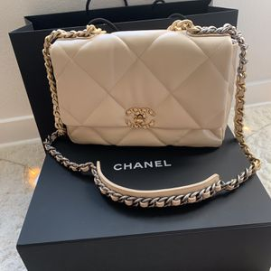 Chanel Quilted 19 Beige Bag for Sale in Culver City, CA