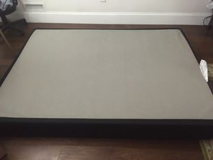 Queen size box spring for Sale in Philadelphia, PA