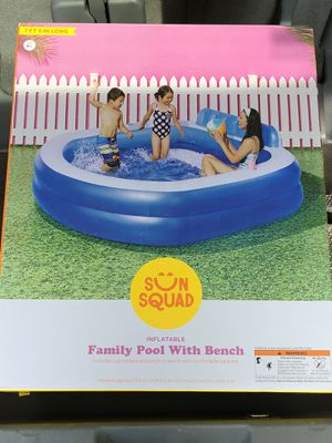 Sun Squad Inflatable Family Lounge Pool w/ Bench for Sale in Elgin, IL