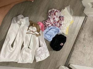 6-12 month fall bundle!! Ruffle buns and stockings for Sale in Clovis, CA