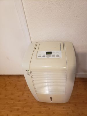 Fridgidaire Dehumidifier for Sale in Mill Creek, WA