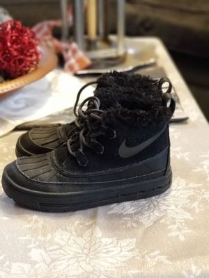 Nike Girls Winter Black Boots Fur Lined Youth Size 2 New for Sale in West Haven, CT