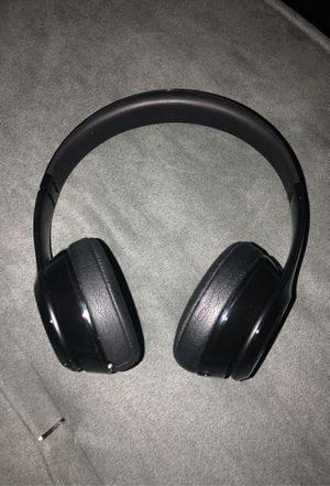 Beats by Dre headphones solo 3 for Sale in Columbus, OH