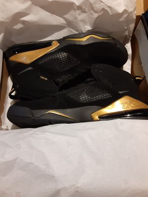 Band new Jordan Mors 270 black and gold for Sale in Baltimore, MD
