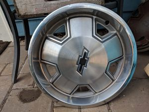 """Chevy 14"""" hubcaps for Sale in Portland, OR"""