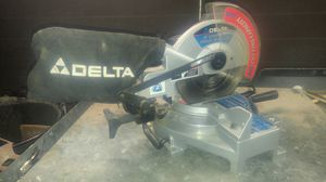DELTA 10'' Compound PowerMiter Saw. for Sale in Avondale, AZ