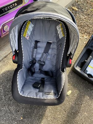 Infant car seat for Sale in Wood Village, OR
