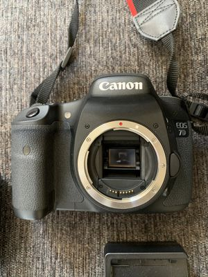 Canon 7D EOS DSLR Camera Close To Brand New for Sale in San Diego, CA