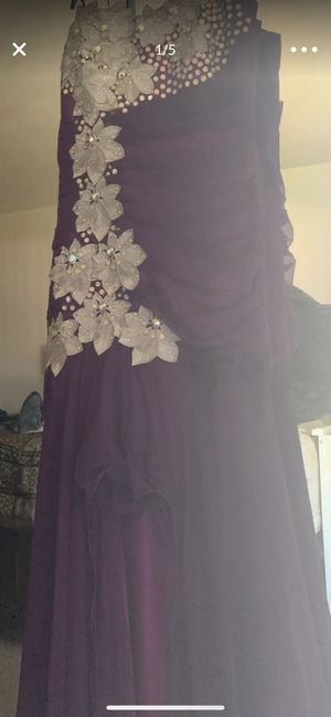 Dress for Sale in Fresno, CA