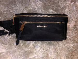 Michael Kors Polly waist bag for Sale in North Las Vegas, NV