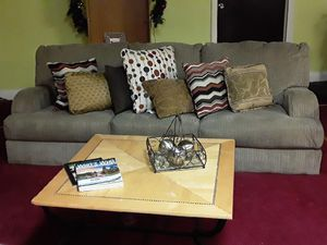 Couch and table pair for Sale in GA, US
