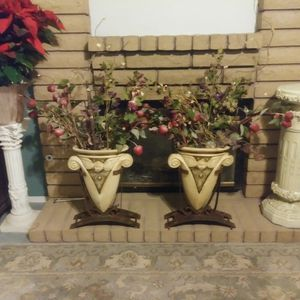 Two Tall Decrative Vases with Metal Base. Angle Design for Sale in Las Vegas, NV