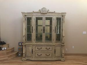 White Oak China Cabinet for Sale in Las Vegas, NV