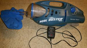 Pool vacuum battery operated for Sale in Frederick, MD