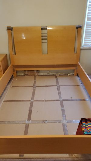 Queen Size Bed Frame for Sale in Irwindale, CA