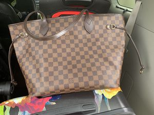 Louis Vuitton Neverfull MM for Sale in Cranberry Township, PA