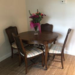 Wood Kitchen Table for Sale in Mission Viejo,  CA