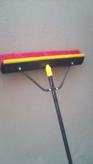 "New Quickie brand 24"" push broom. for Sale in Glendora, CA"