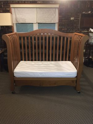 Toddler Bed w/ Large Storage Drawer for Sale in Staten Island, NY