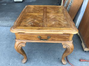 End table for Sale in Fresno, CA