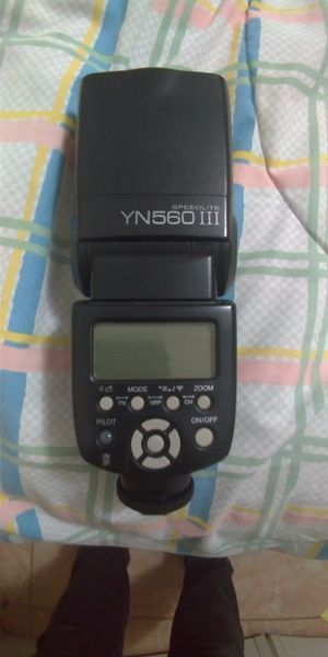 YongNuo YN 560 III Speedlite Flash for Sale in Miami, FL