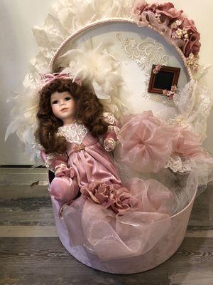 Decor doll for Sale in Arlington, TX