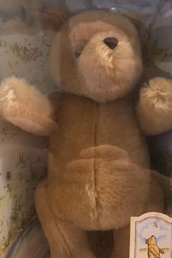 GUND Disney Classic Winnie The POOH Jointed Plush 7940 for Sale in Ridgefield,  WA