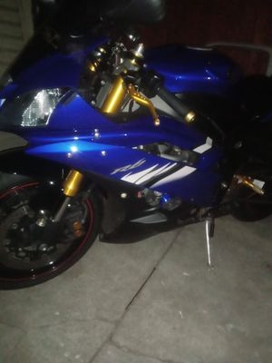 R6 for Sale in Stockton, CA