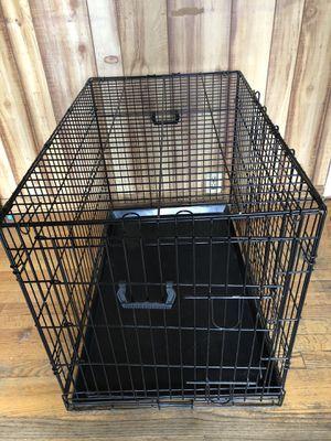 Medium dog crate 3ft lg x 22 in w x 2ft h for Sale in Romeoville, IL
