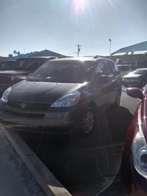 2004 Toyota Sienna LE FWD 7 passenger for Sale in Mesa, AZ