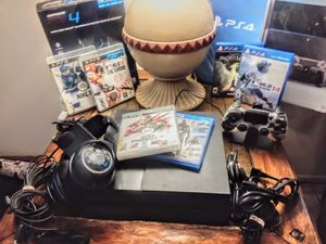 500gb PS4 + gaming bundle for Sale in Port Richey, FL