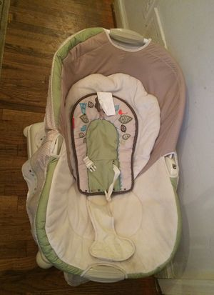 Fisher price battery powered baby swing for Sale in Vienna, VA