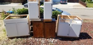 Lower Cabinets & 1 upper for Sale in Antioch, CA
