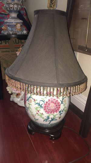 Chinese table lamp for Sale in Corona, CA