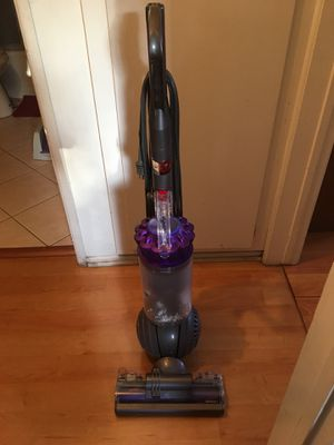 Dyson Ball vacume for Sale in Montebello, CA