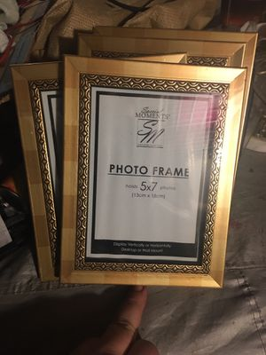 New! 4 picture frames in box! 5x7 for Sale in Oakley, CA