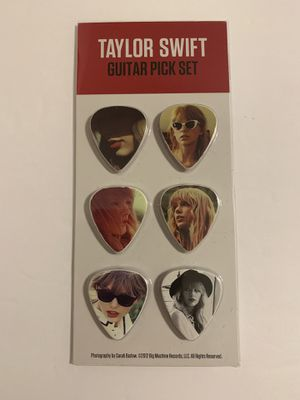 Taylor Swift Guitar Picks - SET OF 6 - 2012 County Music for Sale in Katy, TX