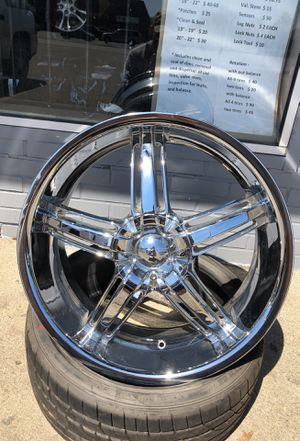 """20"""" Chrome rims for Sale in Columbus, OH"""