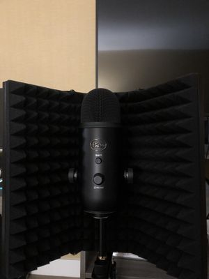 Profesional Microphone with the mic insolation for Sale in Escondido, CA