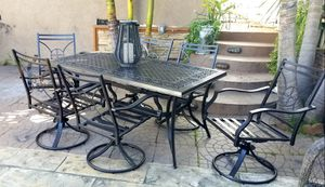 Cast Aluminum Dining Patio Set with, 6 Swivel Chairs for Sale in Spring Valley, CA